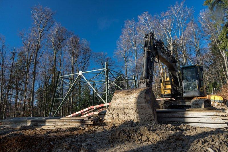 Bauarbeiten an der 380kV Ltg in Seekirchen am 21.02.2021   Foto und Copyright: Moser Albert, Fotograf, 5201 Seekirchen, Weinbergstiege 1, Tel.: 0043-676-7550526 mailto:albert.moser@sbg.at  www.moser.zenfolio.com