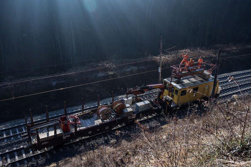 Letzte Reparaturarbeiten an der Westbahnstrecke in Seekirchen am 21.02.2021   Foto und Copyright: Moser Albert, Fotograf, 5201 Seekirchen, Weinbergstiege 1, Tel.: 0043-676-7550526 mailto:albert.moser@sbg.at  www.moser.zenfolio.com