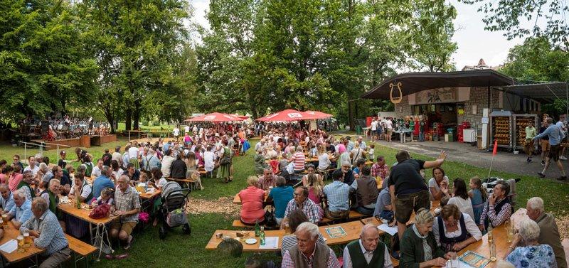 31. Parkfest der TMK Henndorf im Ruhepark in Henndorf am 04.08.2019; Panoramaaufnahme;    Foto und Copyright: Moser Albert, Fotograf, 5201 Seekirchen, Weinbergstiege 1, Tel.: 0043-676-7550526 mailto:albert.moser@sbg.at  www.moser.zenfolio.com