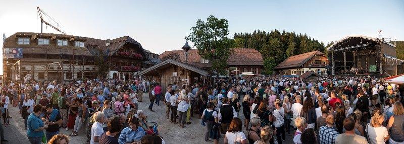 Open-Air Konzert der Seer auf Gut Aiderbichl in Henndorf am 09.08.2019; Vorprogramm Manfred
